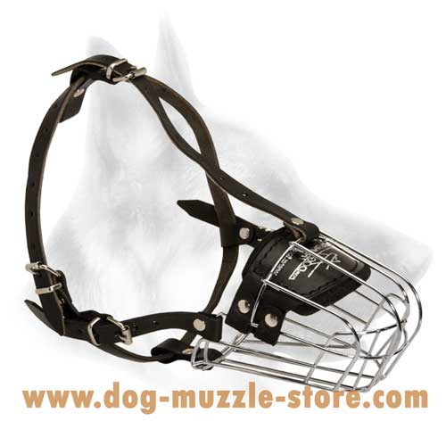 Well Ventilated Dog Muzzle With Adjustable Straps