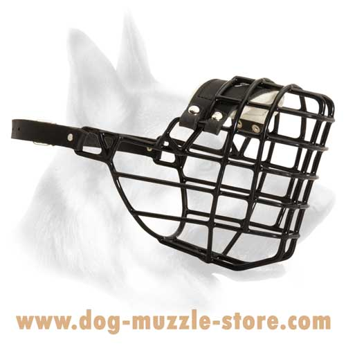 Strong Wire Basket Dog Muzzle With Adjustable Secure  Fixation Strap